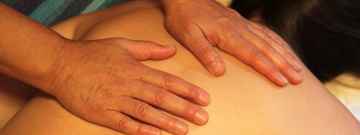 Rücken-Nacken-Kopfmassage